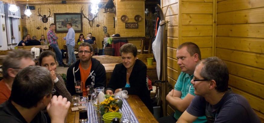 Počas celého večera prebiehala živá diskusia medzi kolegami z Prievidze a Trnavy. Určite sme si mali vzájomne čo povedať a tiež sa vzájomne lepšie spoznať.